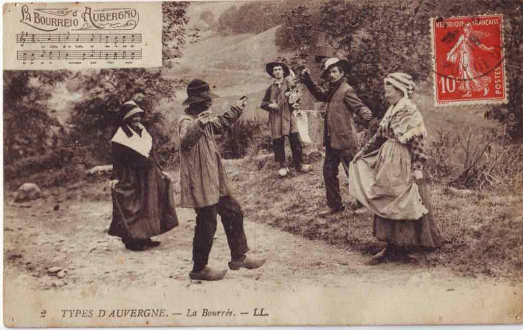 Indexation : Bourrée d'Auvergne##Légende : 2- Types d'Auvergne La Bourrée##Editeur : LL.##Epoque : Ancienne##Propriété : Folk-020-JLR