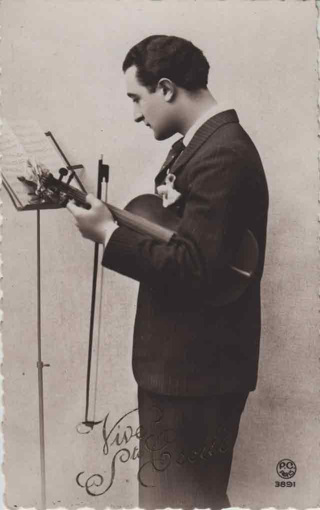 Indexation : Le violoniste##Légende : Vive Ste Cécile##Editeur : P. C. Paris, 3891##Epoque : Ancienne##Propriété : Série01,01-mdv