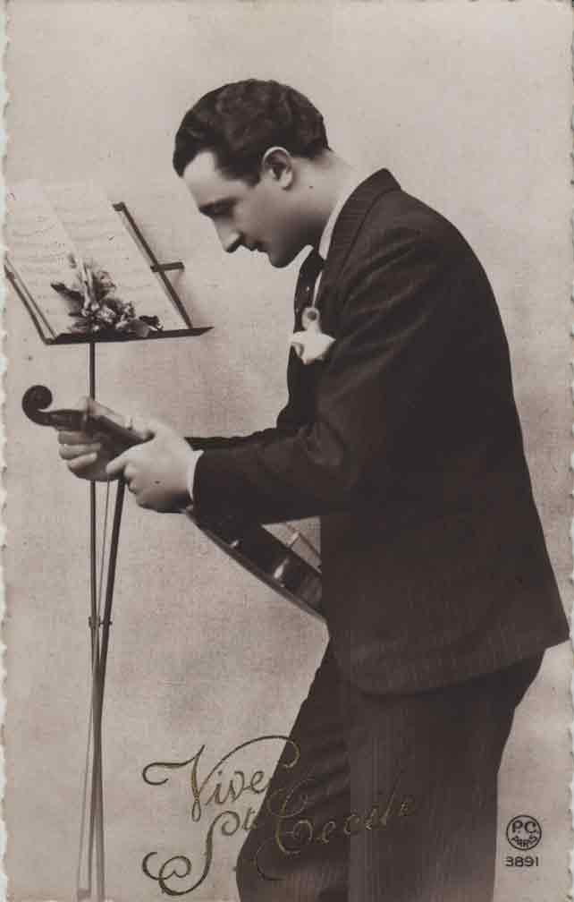 Indexation : Le violoniste##Légende : Vive Ste Cécile##Editeur : P. C. Paris, 3891##Epoque : Ancienne##Propriété : Série01,02-mdv