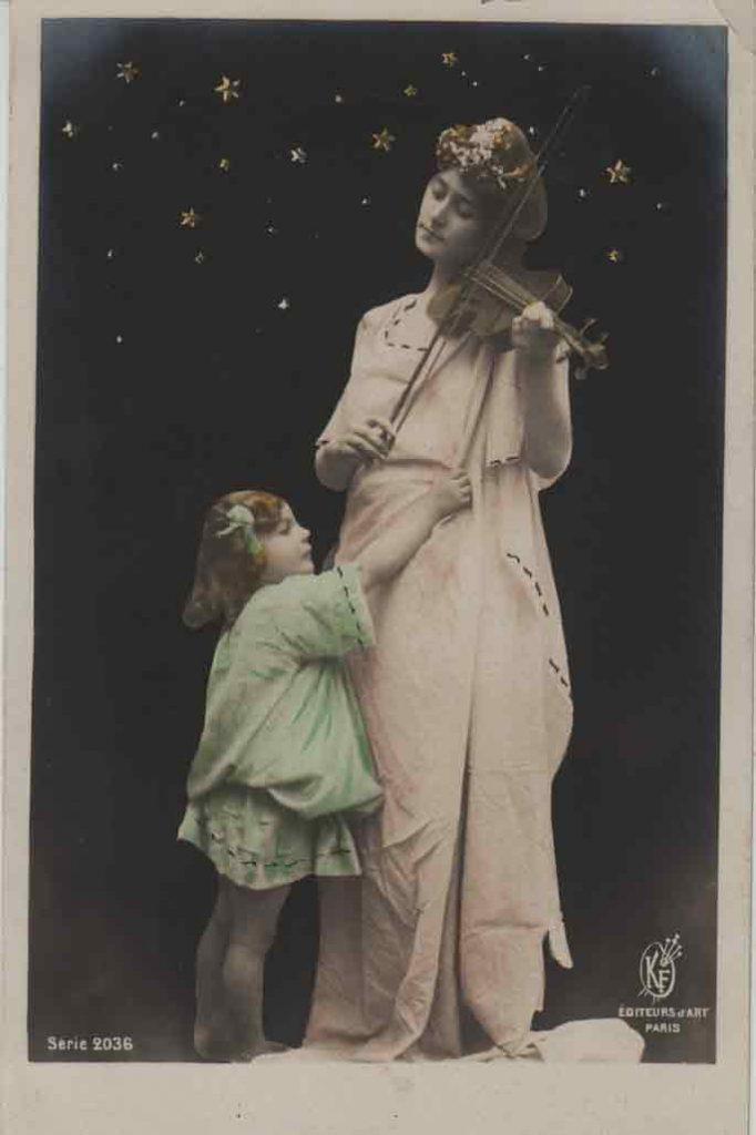 Indexation : Femme et fillette au violon##Editeur : Éditeurs d'Art, Paris, Série 2036##Epoque : Ancienne##Propriété : Série13,07-mdv