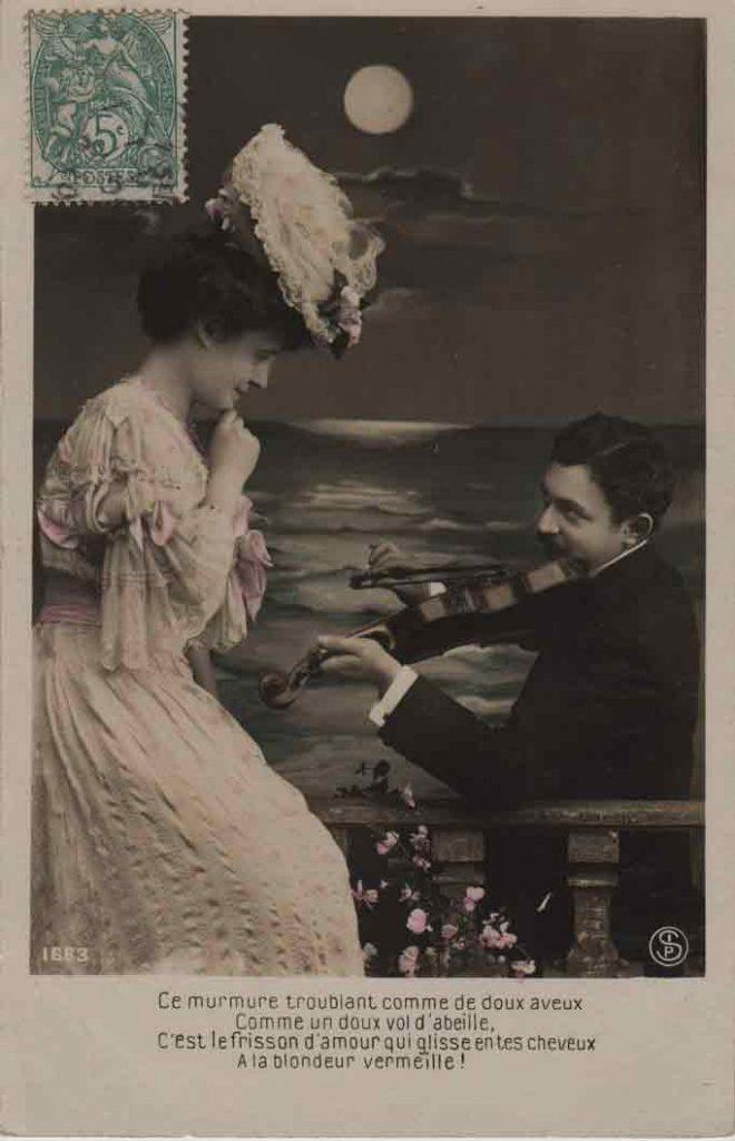 Indexation : Romance au violon##Légende : Ce murmure troublant comme de doux aveux##Comme un doux vol d'abeille,##C'est le frisson d'amour qui glisse entre tes cheveux##A la blondeur vermeille.##Editeur : SIP, 1663##Epoque : Ancienne##Propriété : Série14,07-mdv