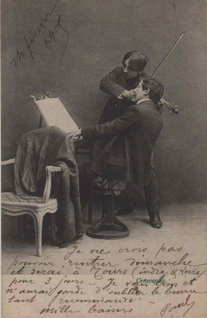 Indexation : Duo piano violon##Légende : Concerto déconcertant, Crescendo##Editeur : I. A.##Epoque : Ancienne##Date : 1905 (manuscrit)##Propriété : Série16,03-mdv