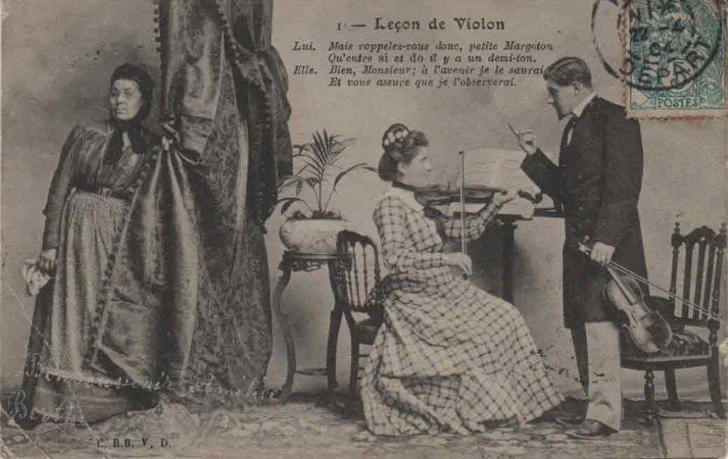 Indexation : Leçon de violon##Légende : Lui. Mais, rappelez-vous donc, petite Margoton##Qu'entre si et do il y a un demi-ton##Elle. Bien, Monsieur; à l'avenir je le saurai##Et vous assure que je l'observerai##Editeur : C. BB V. D.##Epoque : Ancienne##Date : 1904 (affranchissement)##Propriété : Série04,01-mdv
