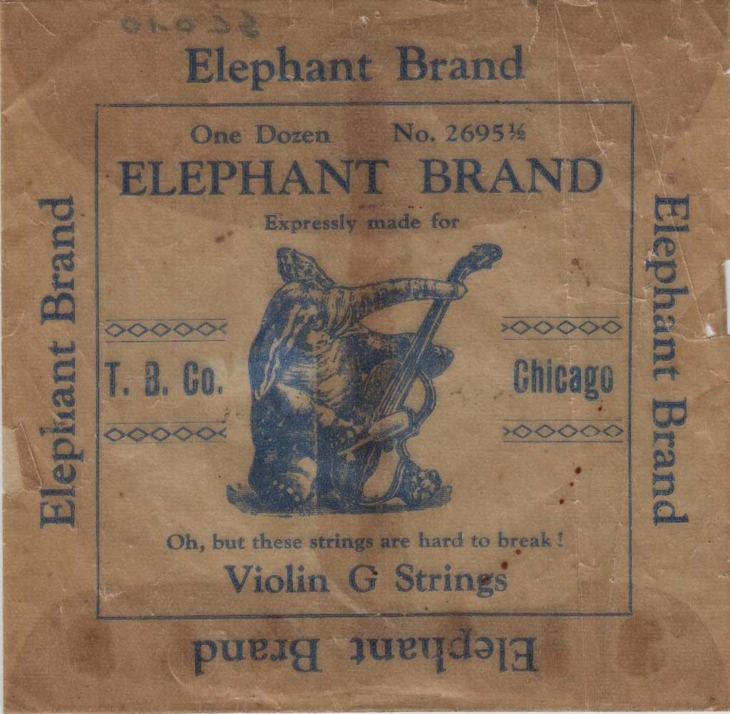 "Légende : Elephant Brand, T. B. Co. Chicago##""Oh, but these strings are hard to break !""##Propriété : Sac-008-mdv"