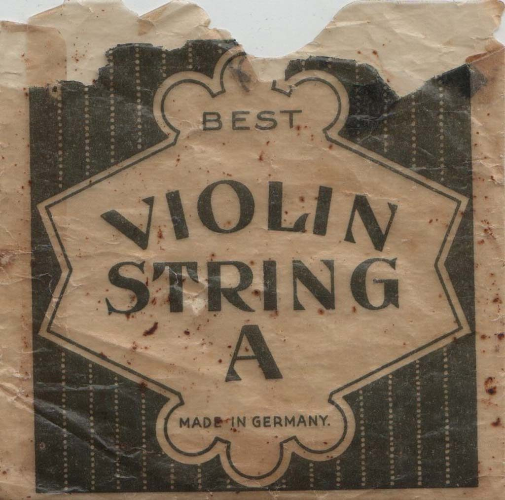 Légende : Best violin string, made in Germany##Propriété : Sac-021-mdv