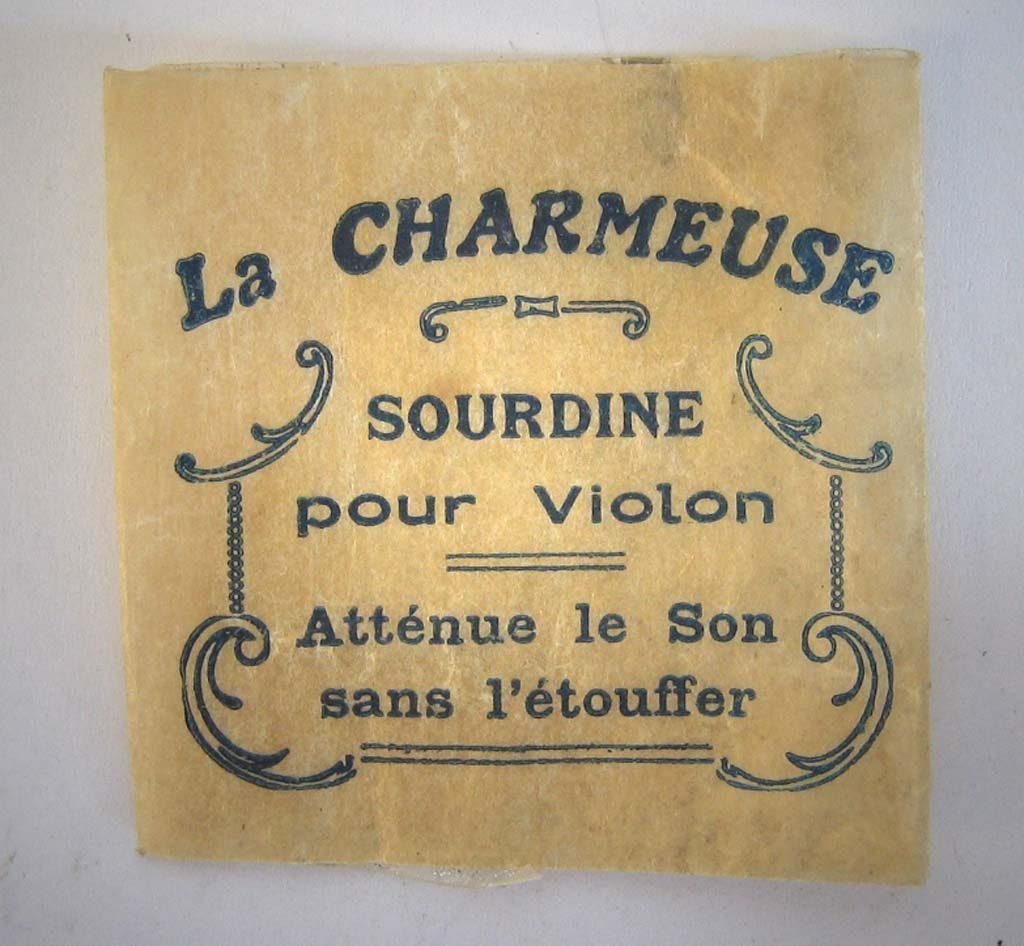 """Indexation : Sachet de sourdine """"La Charmeuse""""##Propriété : Srd-038-mdv"""
