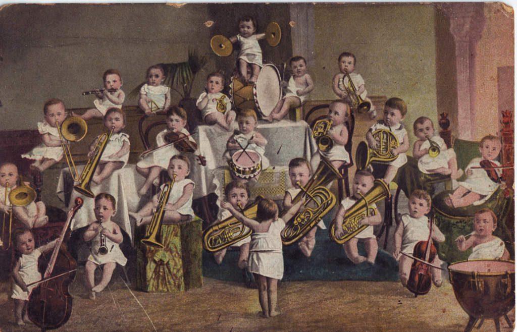 Indexation : Orchestre d'enfants##Epoque : Moderne##Propriété : Des-071-Roy