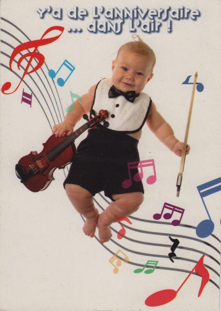 Indexation : Bébé au violon##Epoque : Moderne##Propriété : Enf-039-mdv
