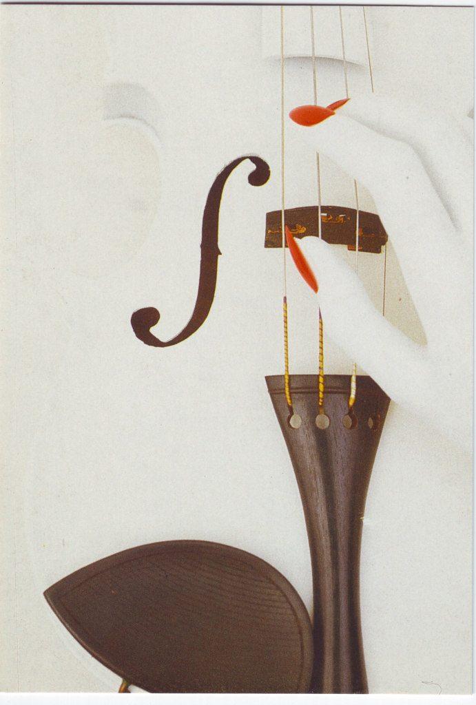 Indexation : Violon blanc et une main##Epoque : Moderne##Propriété : Fan-051-Roy