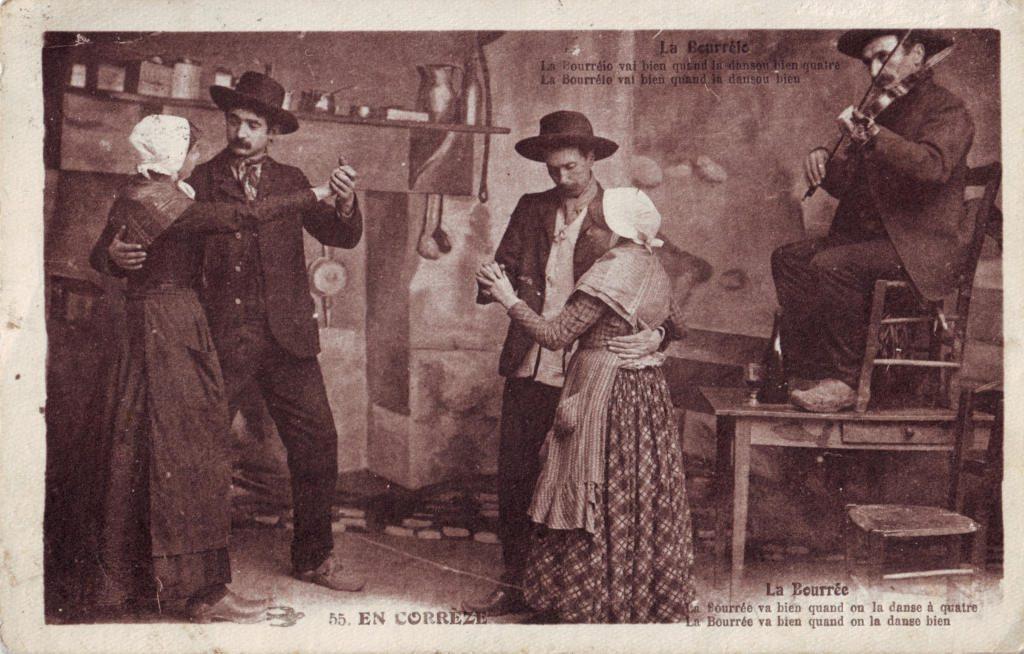 """Indexation : En Corrèze##Légende : """"La bourrée##La bourrée va bien quand on la danse à quatre##La bourrée va bien quand on la danse bien""""##Editeur : n°55##Epoque : Ancienne##Propriété : Folk-022-Roy"""