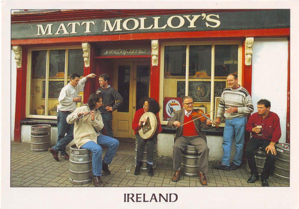 Indexation : Irlande, pub Matt Molloy##Epoque : Moderne##Propriété : Folk-052-Roy