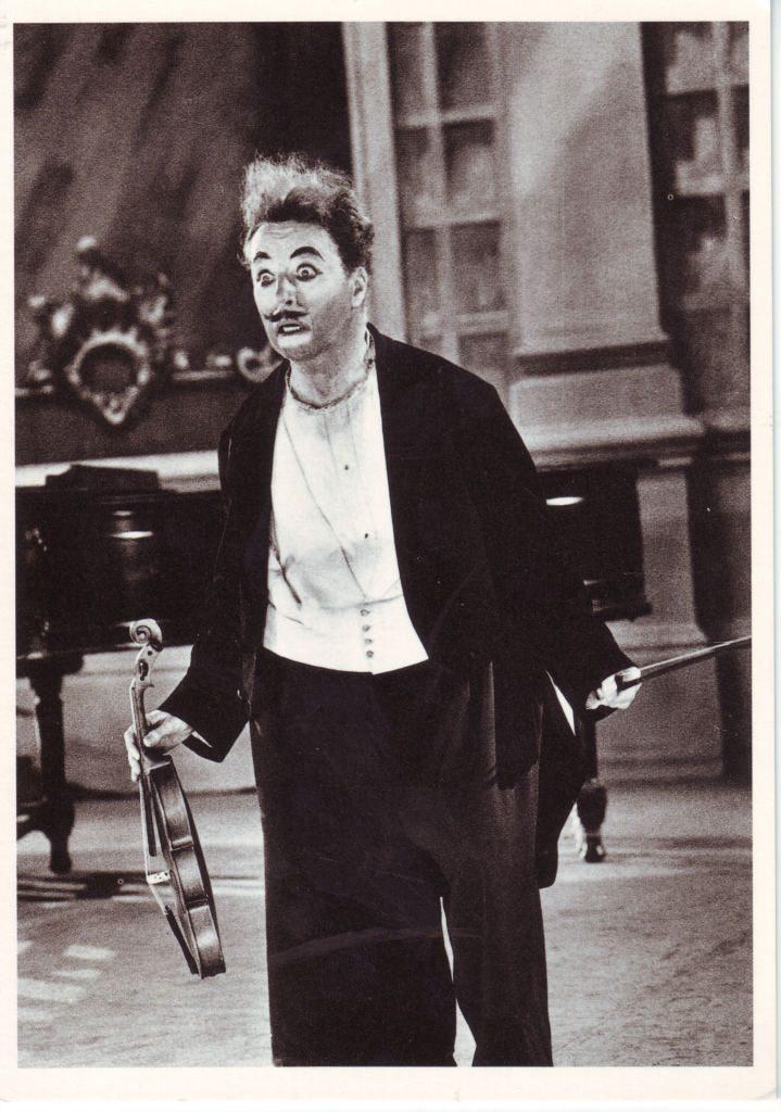 Indexation : Charlie Chaplin (1889-1977)##Epoque : Moderne##Propriété : Gem-011-Roy