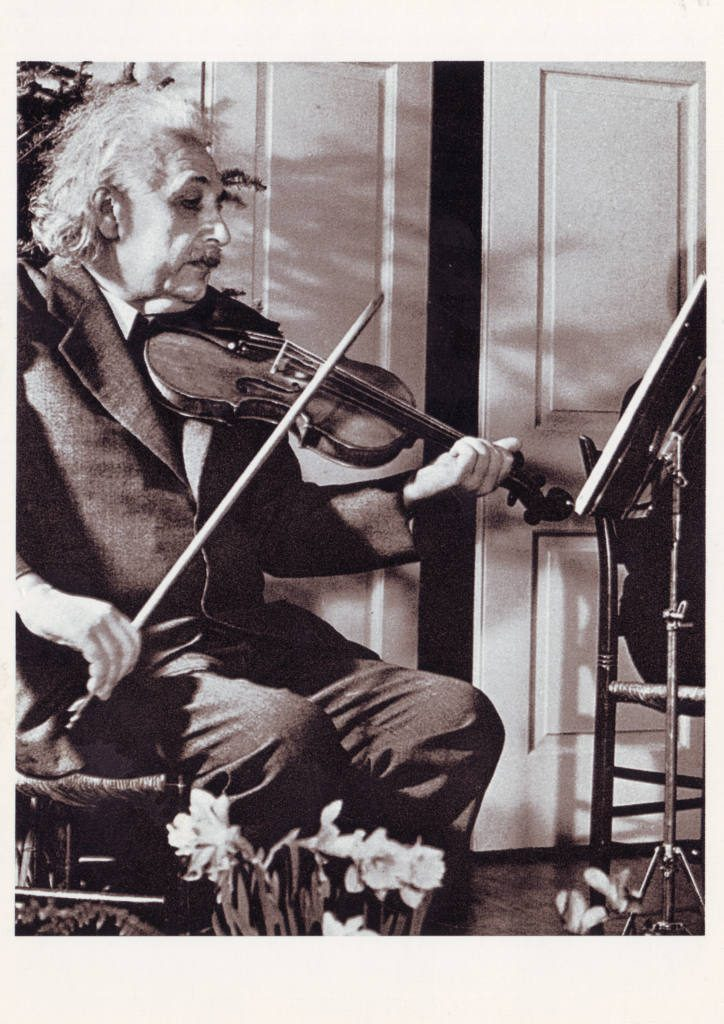 Indexation : Albert Einstein (1879-1955)##Epoque : Moderne##Propriété : Gem-014-Roy