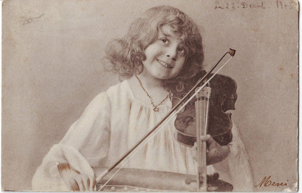 Indexation : Fillette au violon##Date : 1903 (manuscrit)##Epoque : Ancienne##Propriété : Série19,02-mdv